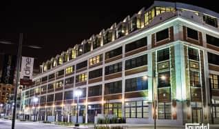 Navy Green R1 Apartments