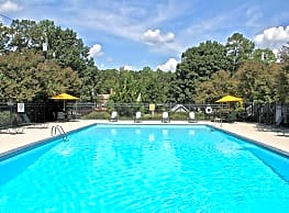 Hyde Park Townhomes - Chester