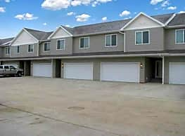 Woodside Townhomes - Minot