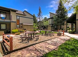 University Square Apartments - Flagstaff