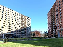 Troy Towers - Bloomfield