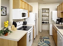Country Club Apartments - Huntington