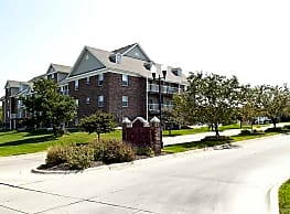 The Colony Apartments at Williamsburg Village - Lincoln