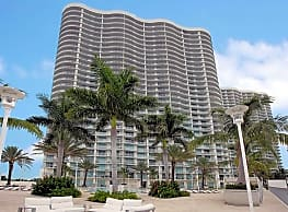 Oasis Grand - Fort Myers