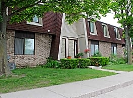 Adams Lake Apartments and Townhomes - Waterford