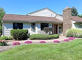 Hidden Creek Townhomes and Apartments - Rochester