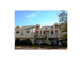 LARGE TWO BEDROOM WITH WASHER AND DRYER ..PETS OK - Oakland Park