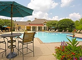 The Grove at Waterford Crossing - Hendersonville