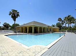 The Brittany Apartments - Fort Myers
