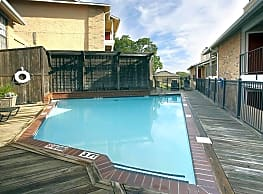 Highcrest Apartments - San Marcos
