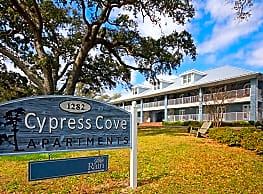 Cypress Cove Luxury Beach Front Apartments - Biloxi