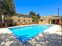Westwinds Apartments - Tampa