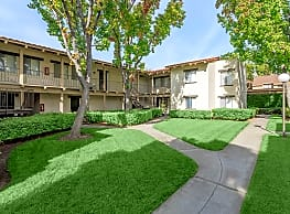 Carlyle Square Apartment Homes - Placentia