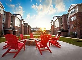 Grove Student Apartments - Waco