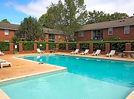 Colony Square Apartments - Dothan