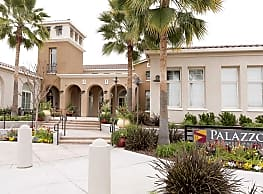 Palazzo at Campus Pointe - Fresno