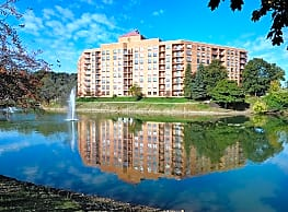 The Towers at Four Lakes - Lisle