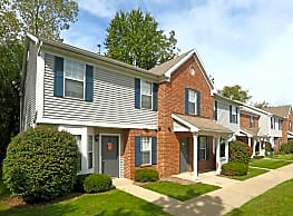900 West Townhomes - Lansing