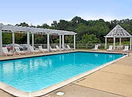 Beachwood Townhomes and Apartments - Harrison Township