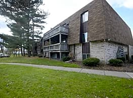 Foxes Lair Apartments - Elyria