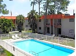 Golf Meadow Apartments - Fort Myers