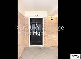 Great 2/2 Condo in Gated Community in Fort Worth F - Fort Worth
