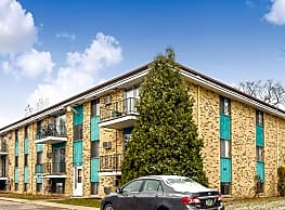 Van's Court Apartments And Townhomes - Fargo