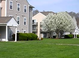 Green Hill Apartments at Radford - Radford