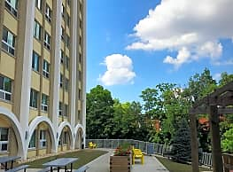 Lakewoods Apartments - Dayton