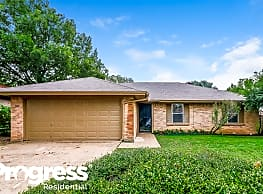 2913 Highlawn Ter - Fort Worth