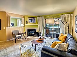 Bay Court at Harbour Pointe - Mukilteo