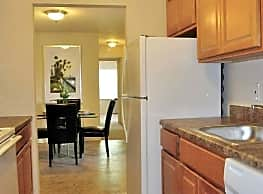 Lighthouse Hill Apartments - Wilmington