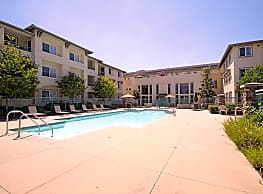 Royal Oaks Apartments - San Marcos