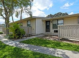 Pine Meadows Aptartments - Fort Myers