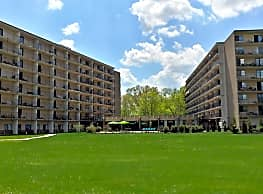 Center Square Towers - Doylestown