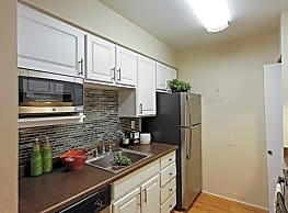 Avery Park Apartment Homes - Englewood