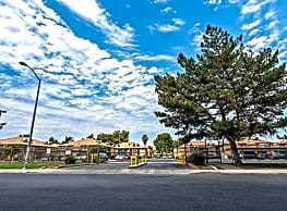 Colony Square - Bakersfield