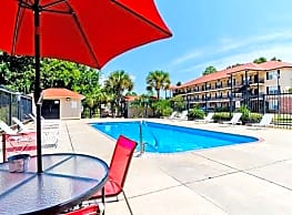 Royal Gulf Apartments - Biloxi