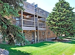 Kings Kourt Apartments - Sioux Falls