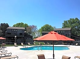 Woodgate Apartments - Knoxville