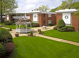 Brook Forest Apartments - Bensenville