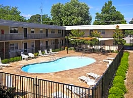 North Creekside Apartments - Fayetteville