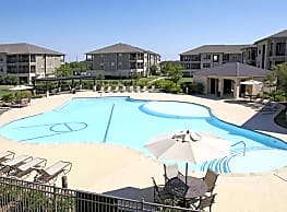 Crescent Pointe - College Station