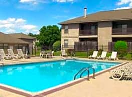 Cedar Creek Village Apartments - Shreveport