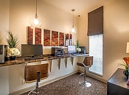 Steeplechase Apartments - Knoxville