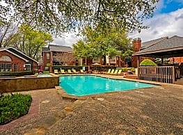 Crestmont Reserve Apartment Homes - Dallas