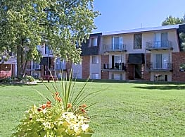 Rosewood Village Apartments - Springfield