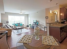 North Point Apartments - Hollins