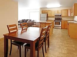 Prairie Heights Apartments - Minot