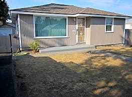 Like New Home! Convenient Northside Location! - Spokane